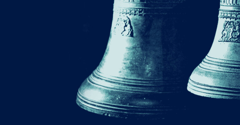 dwa duże dzwony