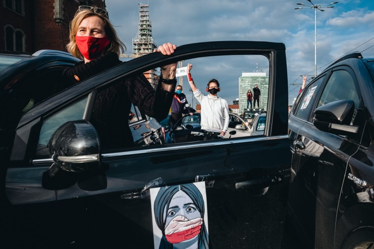zdjęcie, które otrzymało Grand Prix - Strajk Kobiet - blokada miast Jarosława Respondka